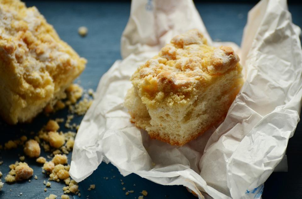 German Apple Crumb Cake